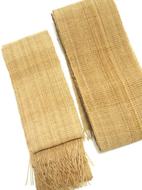 左=2寸7分巾。右=1枚使いの3寸3分巾、4.2m